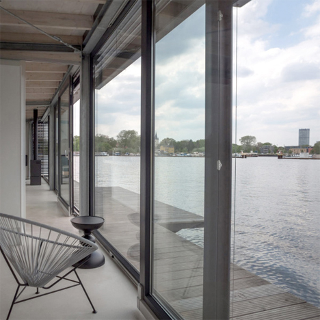 Modern Houseboat Berlin 4