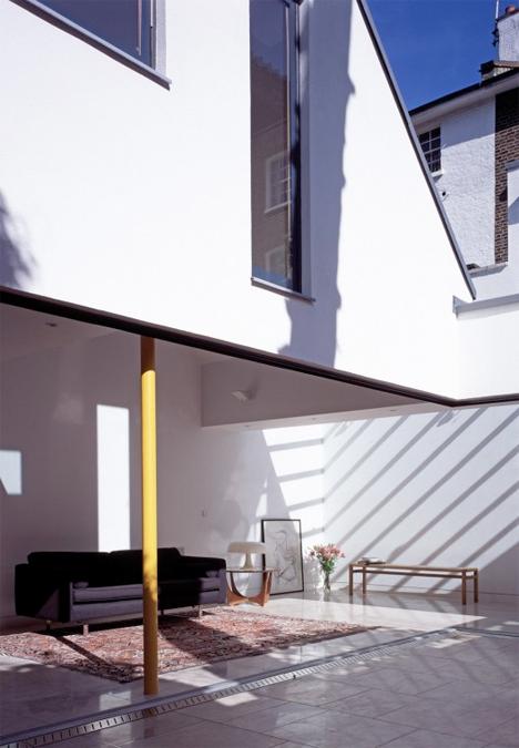 Narrow Stacked Gap House London 4