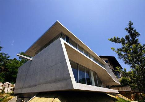 concrete edge house japan