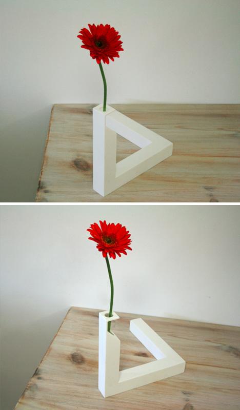 optical trick vase