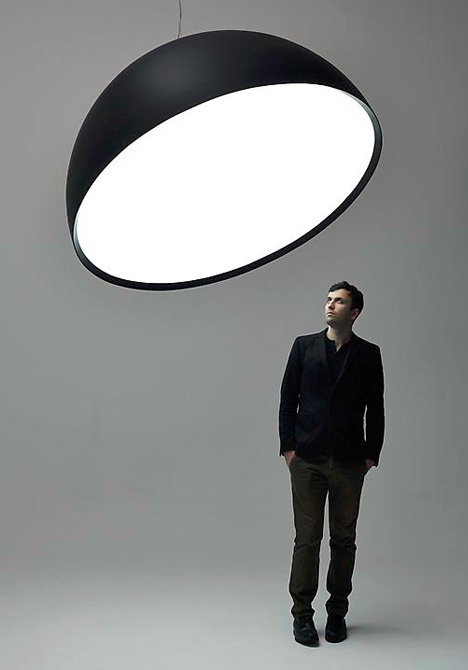 singular giant lamp design