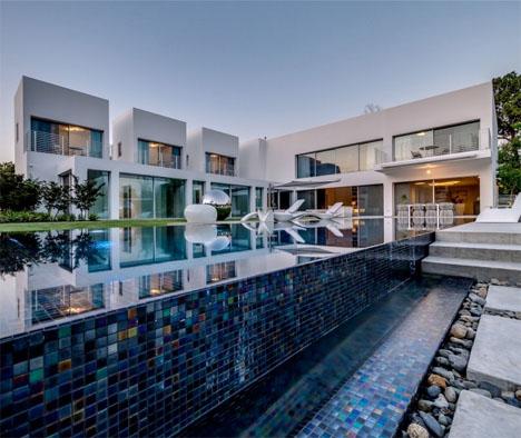 Cubes Contemporary Villa 1