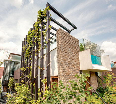 The Lush Life: Luxury Garden Villa Features Rooftop...