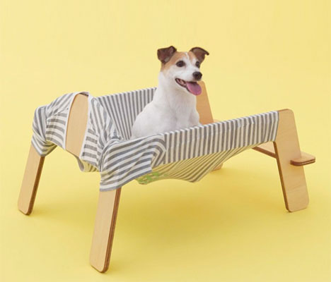 Turn a T-Shirt Into a Dog Hammock With Flat Pack Frame