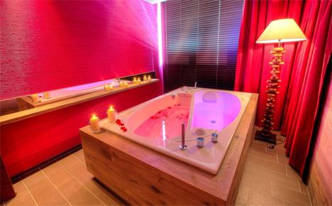couples bathtub