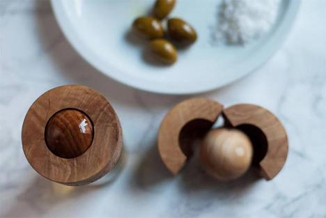 roll on dispenser for olive oil
