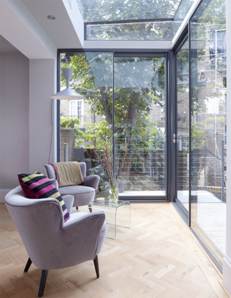 Modern Glass Addition London Home 4