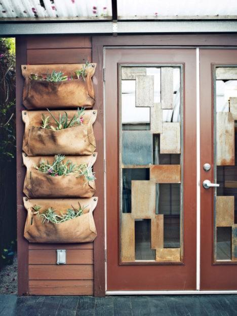 back door hanging garden