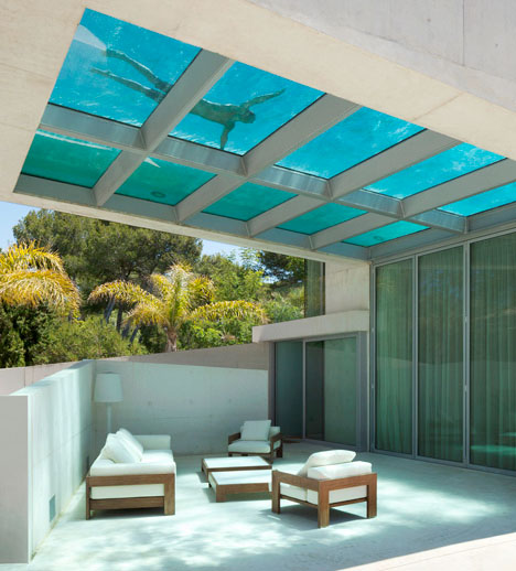 Cantilevered Pool Glass Floor 1