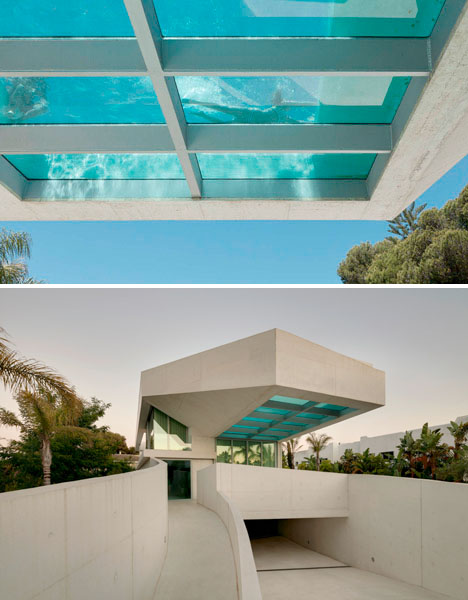 Jellyfish House: Cantilevered Rooftop Pool with Glass Floor
