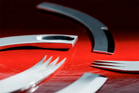 Curving Cutlery 4