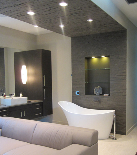 bathtub and accent wall