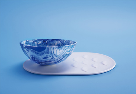 self cleaning plate and bowl