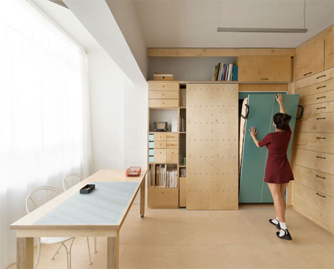 Multifunctional and Compact: Tiny Tel Aviv Art Studio