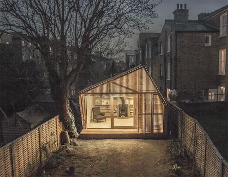 Writeru0027s Shed: Relaxing Modern Backyard Retreat