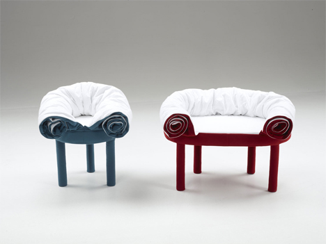 collerette footstool and chair