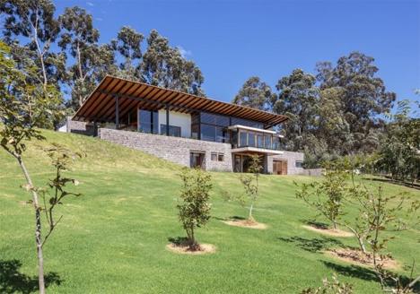 hillside ecuador house