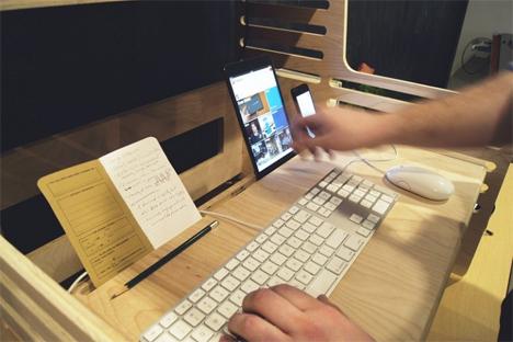 lightweight standing desk