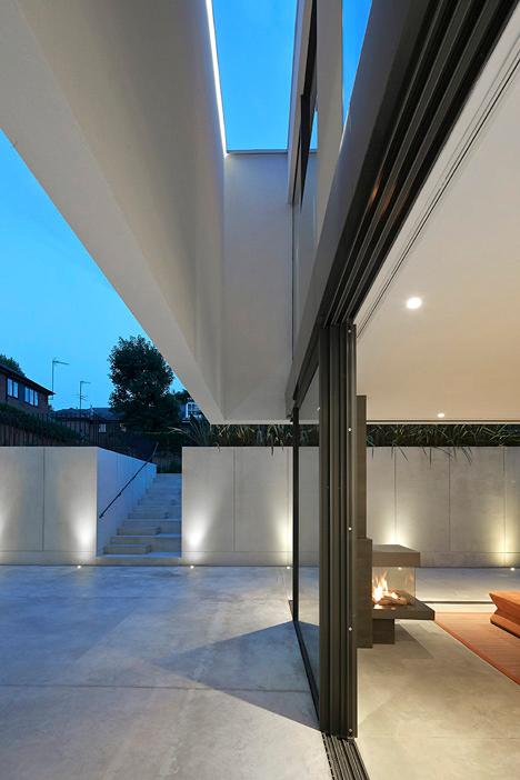 Modern Sunken London Home 6