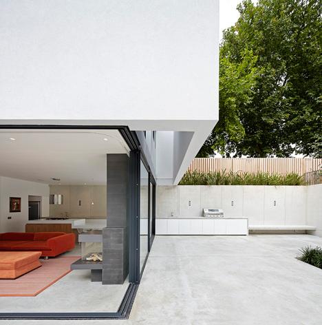 Modern Sunken London Home7