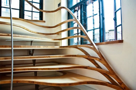 Superbe Organic Winding Wooden Stairs