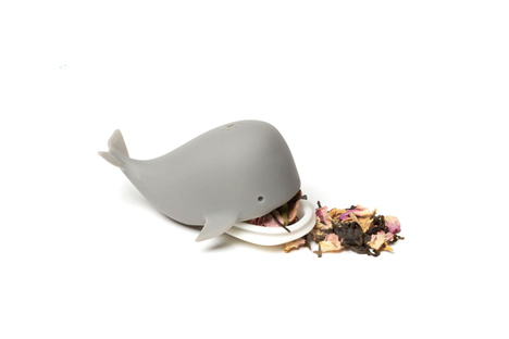 tea infuser dreaming whale
