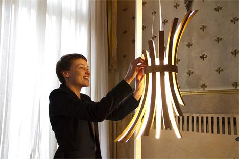 laura modoni filo lamp