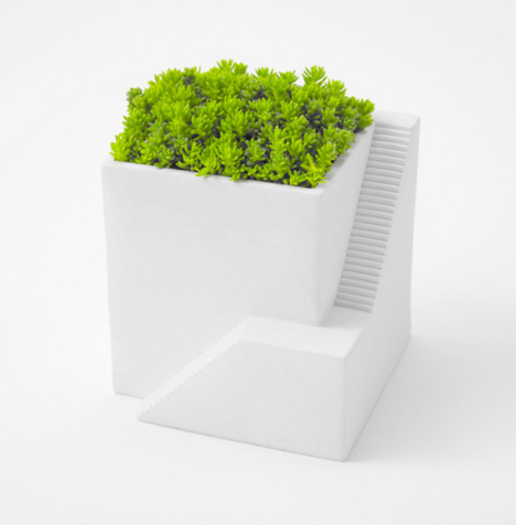mini house shaped planters