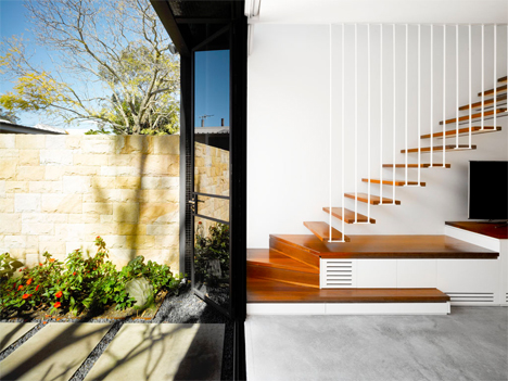 outer door floating staircase