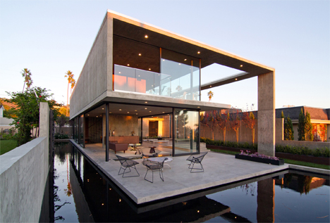 floating cresta house