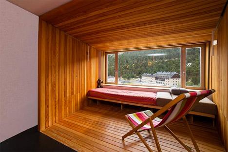 Wooden Box Apartment 2