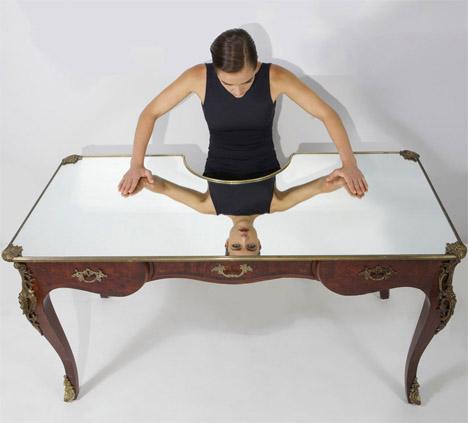Narcissus Desk 1