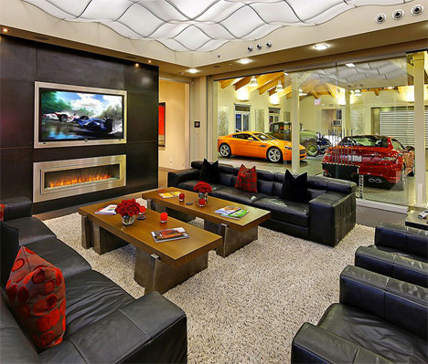 Two bedrooms 16 car garage this home is basically a car gallery solutioingenieria Images
