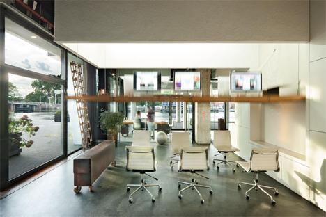 heldergroen studio amsterdam disappearing desks