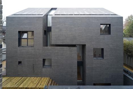 Cast Concrete Home Blends Slick Modern Rough Traditional