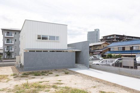car park house shiga japan