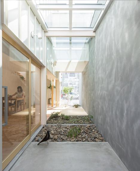 enclosed walkway car park house