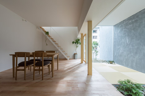 Indoor Outdoor Space: Enclosed Walkway Gives Privacy + Light