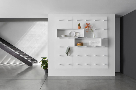 Modern Wall Storage System Uses Endlessly Moveable Boxes