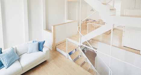 Open Prefab Home Takes Small-Space Urban Living Vertical