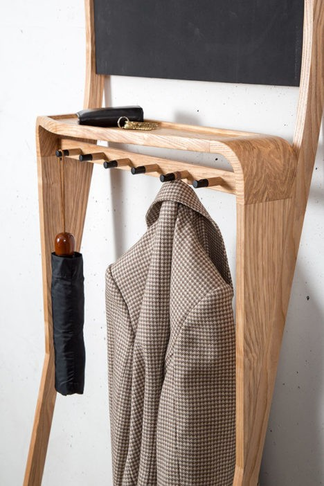 Leaning Loop Upright Organizer Corrals Entranceway Clutter