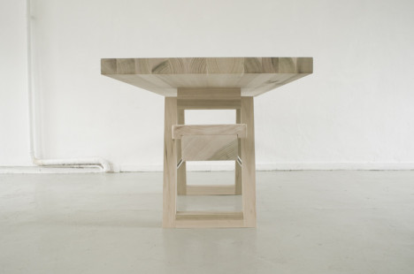 see saw table 4