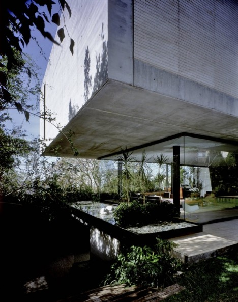floating concrete house 2