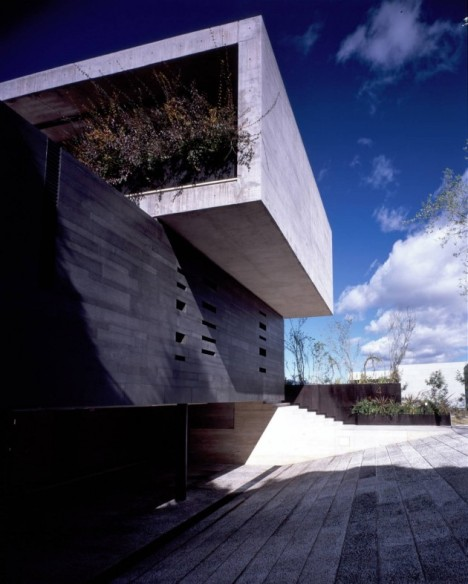 floating concrete house 6