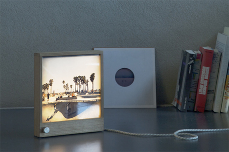 frameworks one led backlit photo frame