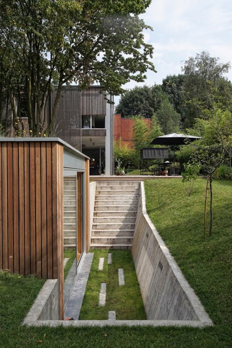 Grassy Getaway Detached Backyard Workshop Hides In