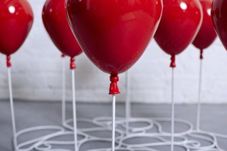 balloon illusion coffee table