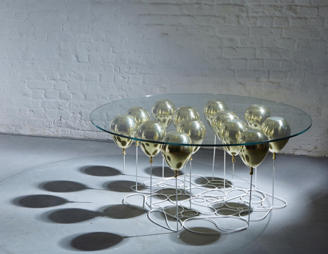 coffee table balloons