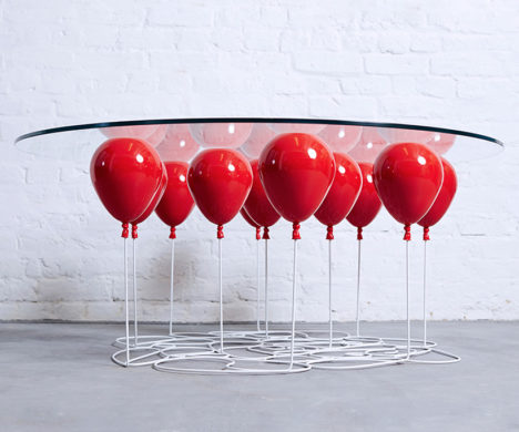 up coffee table balloons