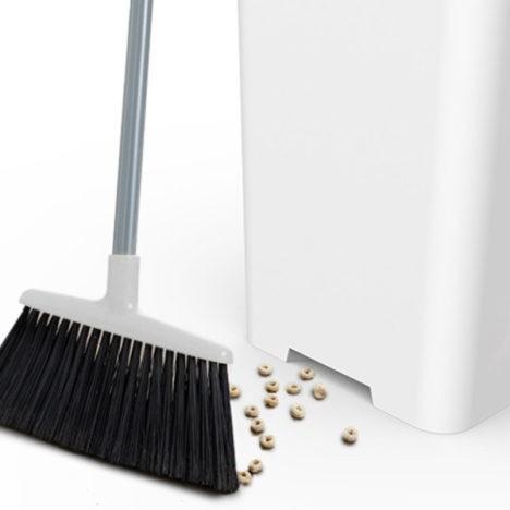 smart vacuuming trash can